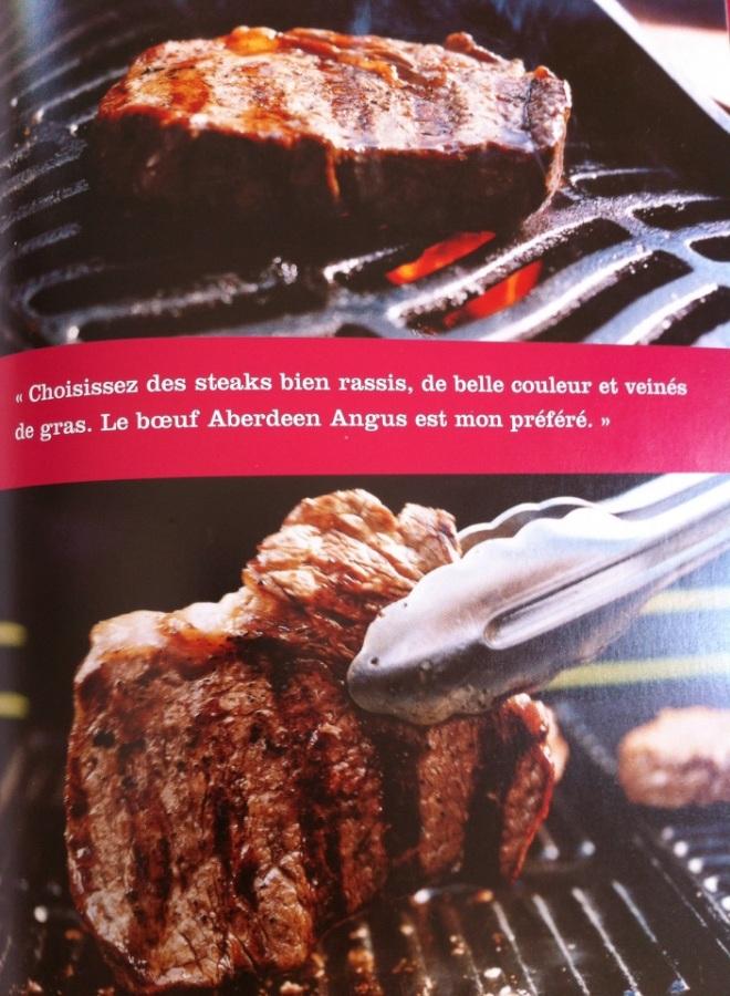 烤紅酒醃牛排佐甜椒蒜味醬 圖片翻拍自 Gordon Ramsay La cuisine en toute simplicite 法文版