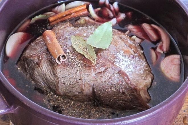 紅酒炭燒牛肉