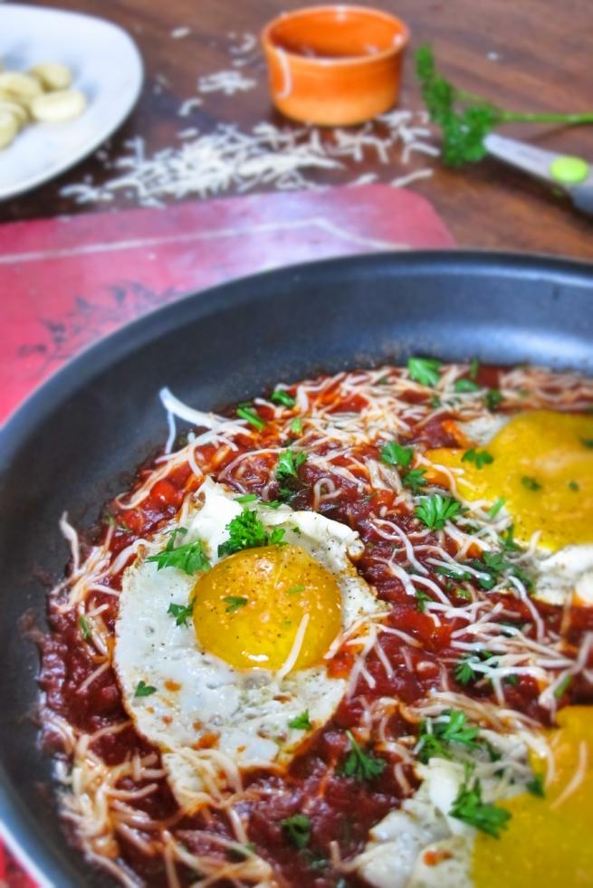 新鮮番茄醬汁油煎蛋