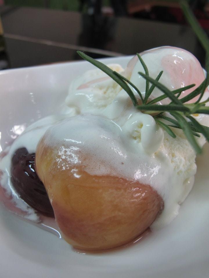 法式家常創意甜點-迷迭香烤水蜜桃