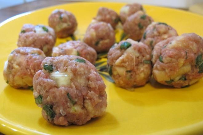 法國創意家常料理-薄荷牛肉球Les boulette mentholées