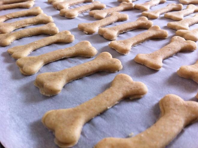 狗狗健康料理&甜點-麥香半雜糧牛肉湯口味餅乾-3