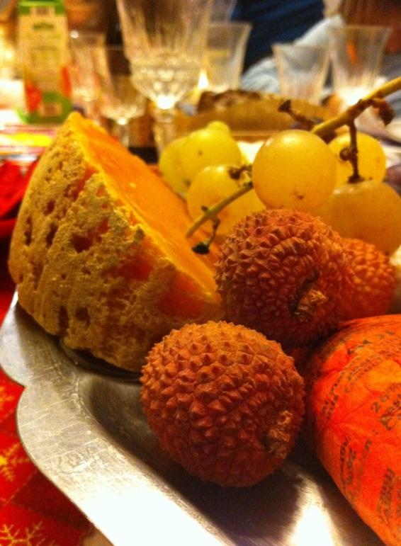 法國2014年聖誕節我家餐桌紀錄La table de Noel chez moi 2014乳酪水果1
