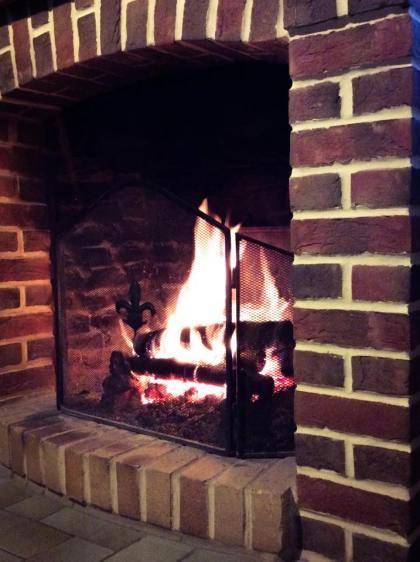 冬天沒事待在壁爐前,是冬天裡唯一的溫暖娛樂