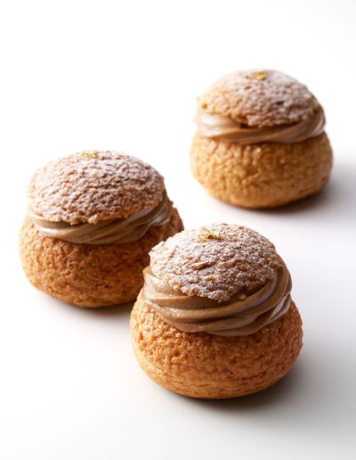 Le chou-chou praliné noisette是Gâteaux Thoumieux其中一項明星甜點.