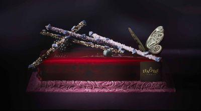 Le gâteau Butterfly vanille cassis, de Lenôtre. 黑醋栗香草蝴蝶