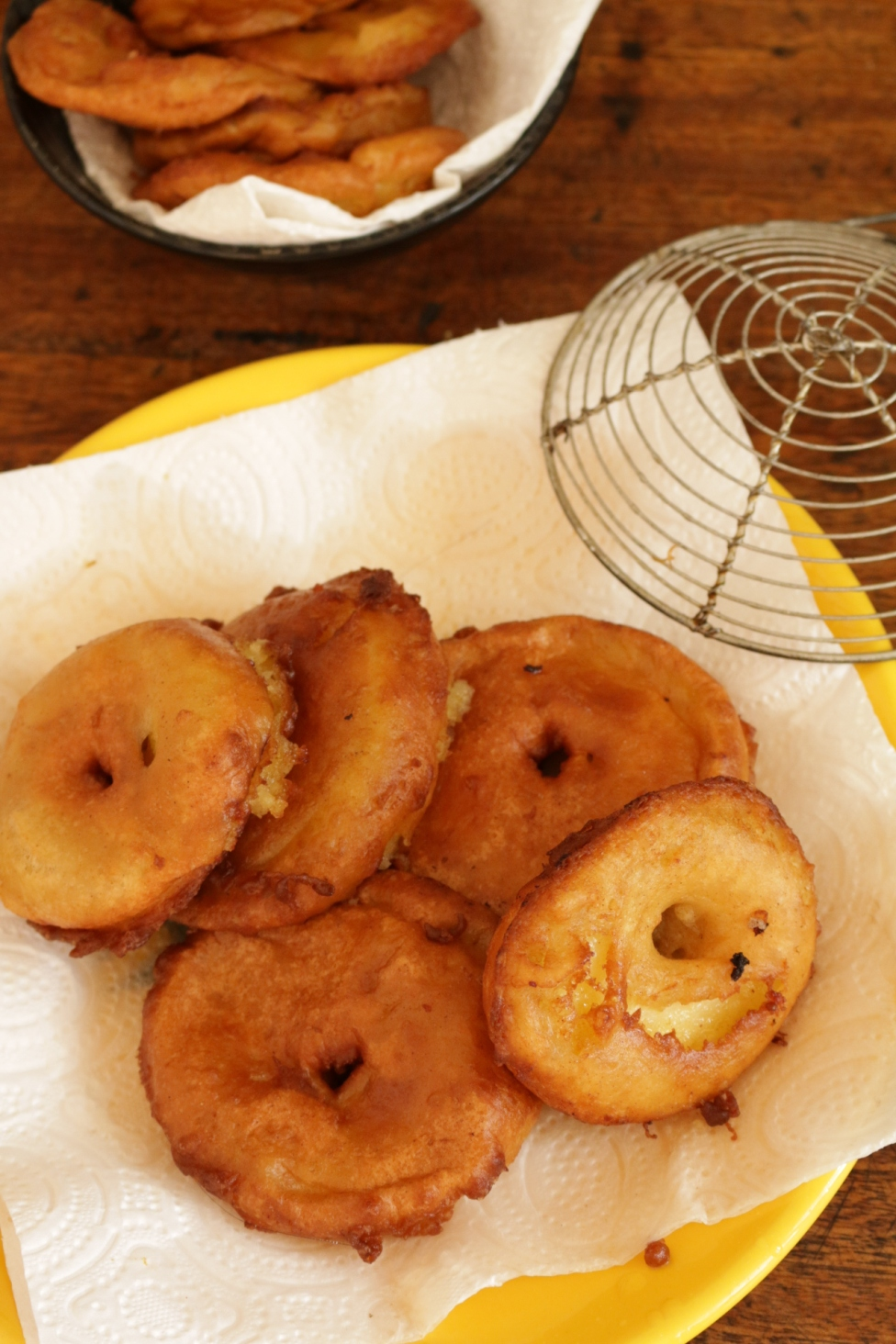 炸肉桂蘋果甜甜圈
