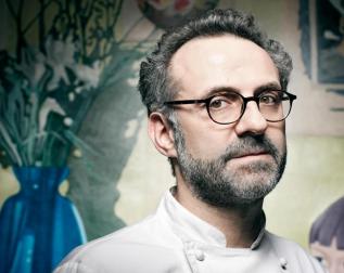 被義大利美食雜誌譽為 後現代義大利料理Chef,將傳統義大利料理拆解重新創作變成現代義大利新料理. 圖片連結:http://pursuitist.com/massimo-bottura-named-italys-best-chef/