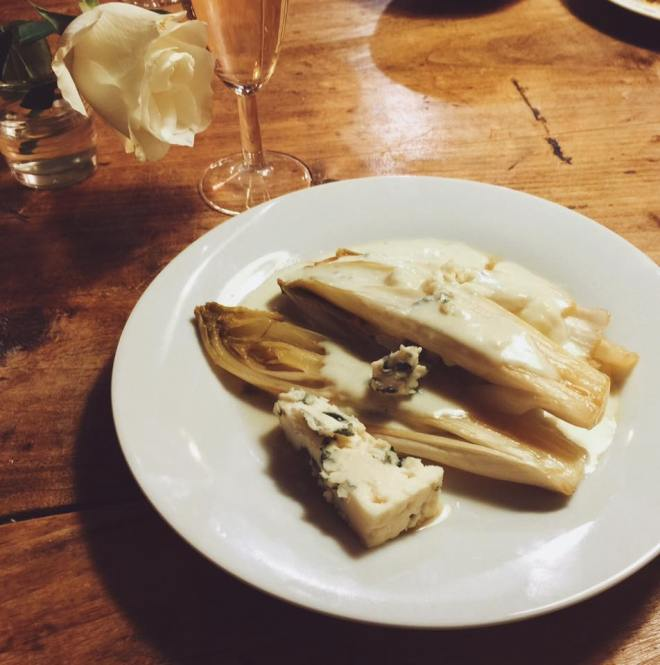 Endives au roquefort苦苣侯克佛藍紋乳酪溫沙拉