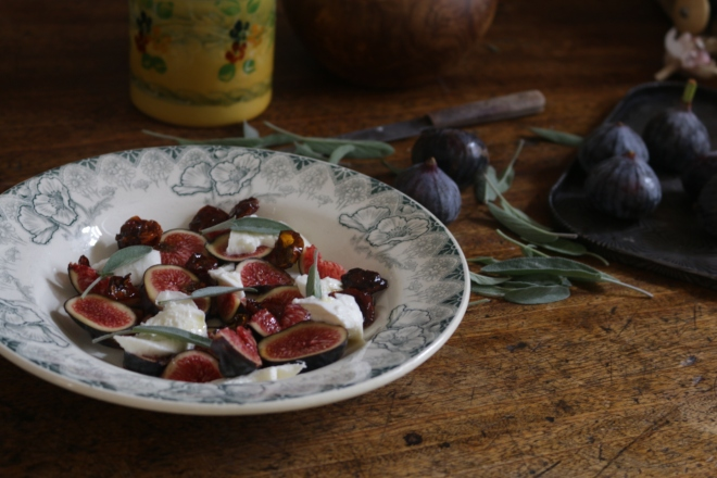 無花果薄片Mozzarella油漬蕃茄乾沙拉 CARPACCIO DE FIGUES, BURRATA ET TOMATES SECHEES